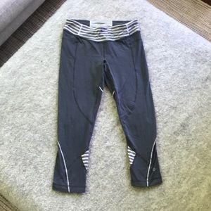 Lululemon gray stripe crops size 6